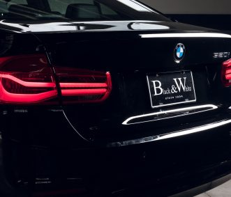 BMW 320i in Los Angeles Trunk